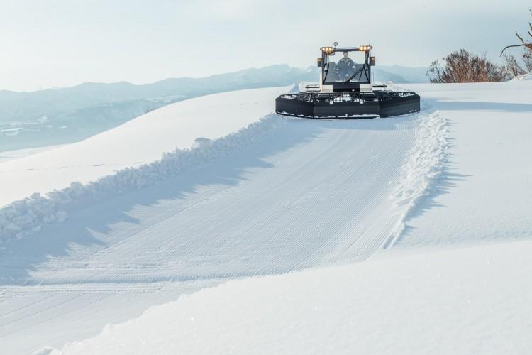 豪雪地長岡と北欧SCANIAのタッグで生まれた雪上車RIZIN