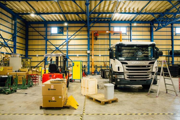 サービス中心拠点・富里ディーラーに見るスカニアの企業理念
