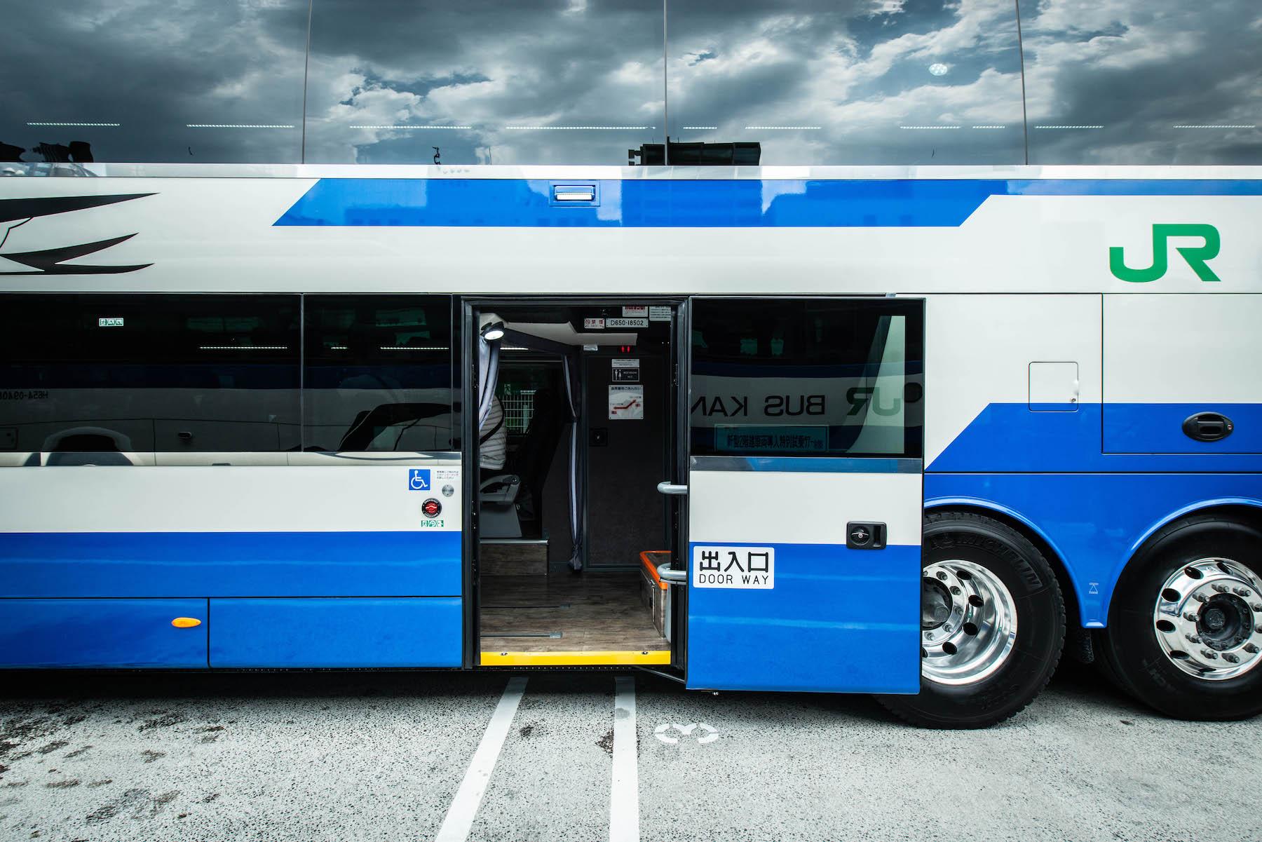 「夢の国へ行くまで」が楽しい! JRバス関東がスカニア製エンジン搭載の二階建てバスを導入~ジェイアールバス関東株式会社様~