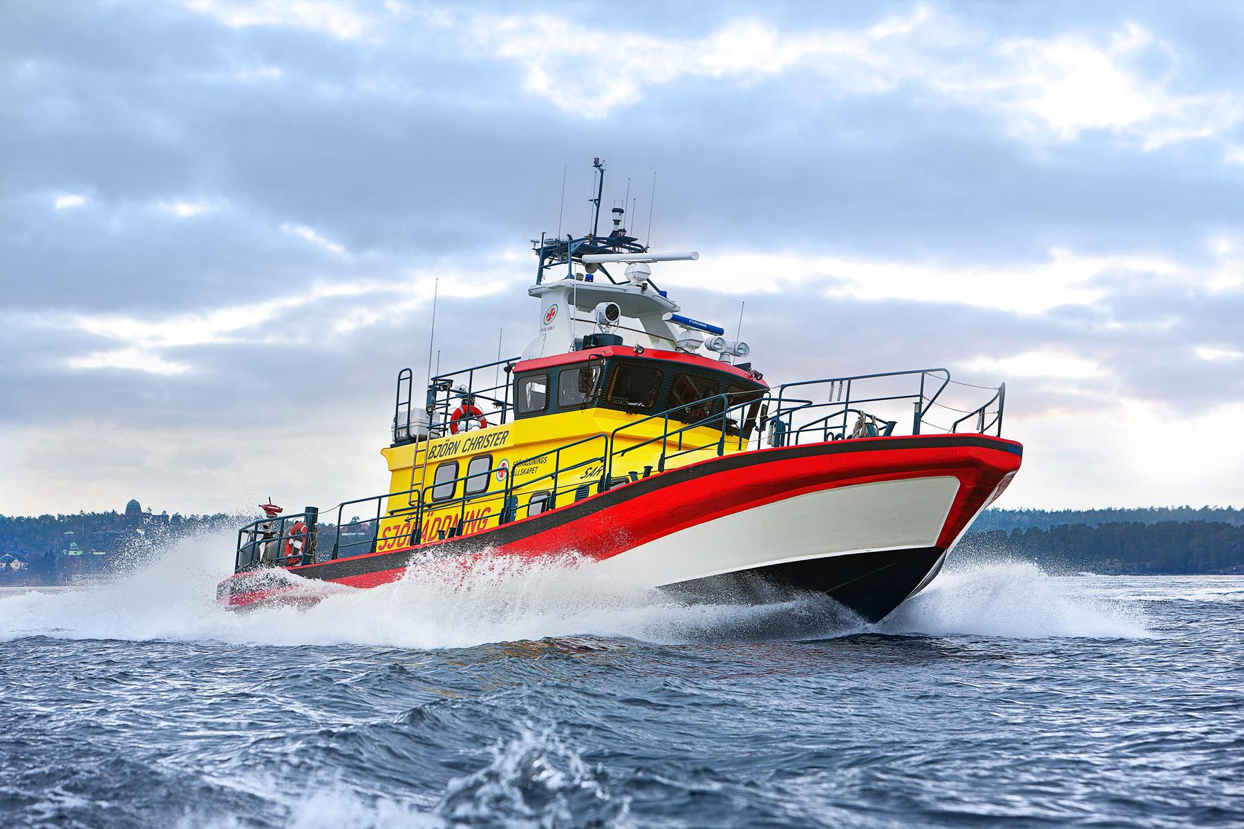 スカニアの船舶用エンジンにもV8が用意されている。写真はスウェーデン海難救助協会が持つ20メートル級高速救助船