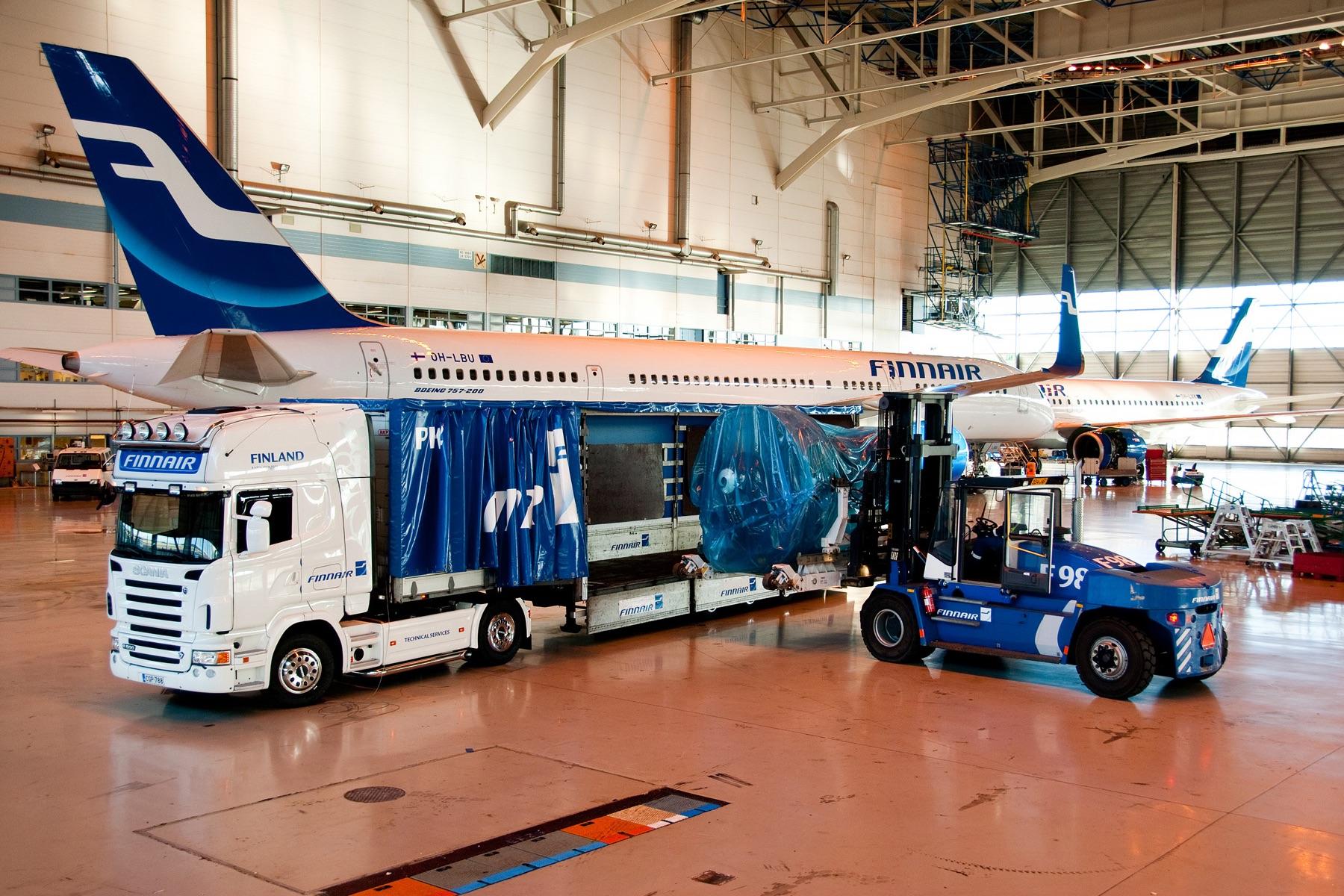 4シリーズは2004年のモデルチェンジで「初代PRT(PGR)シリーズ」に進化を遂げた